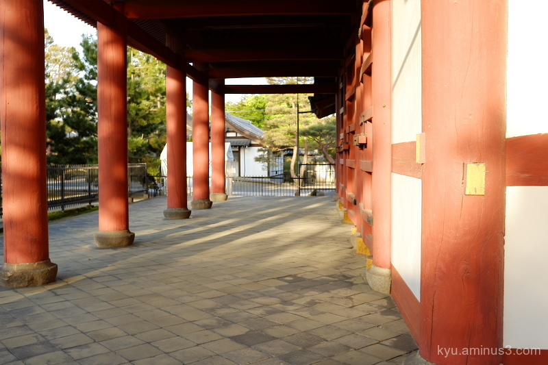 sunset-light gate Myoshinji temple Kyoto