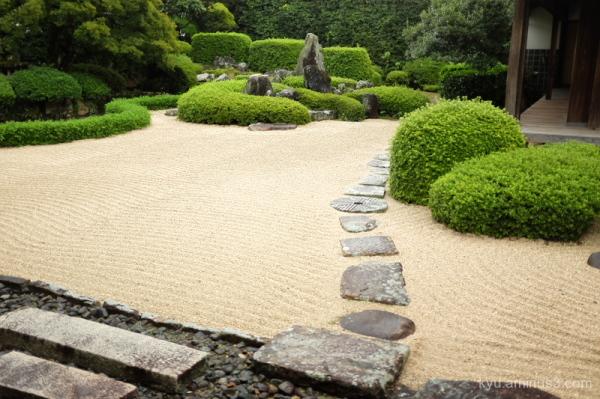 dry-garden Raikyuji temple Takahashi Okayama