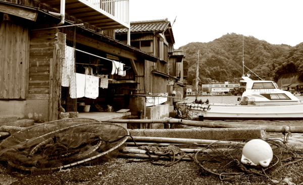 Living at a fishing port...... 伊根