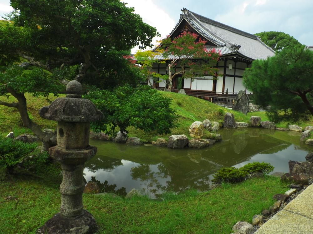 AT A GARDEN 高台寺