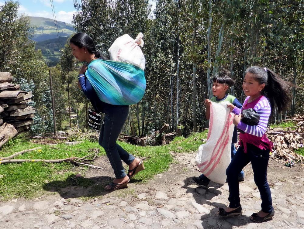 EQUATEUR et GALAPAGOS - enfants des Andes