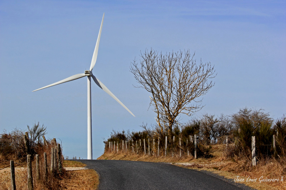 La route du vent. /  The wind road.