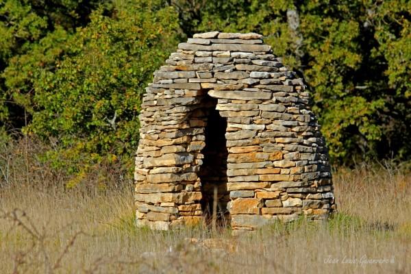 La cabane du berger. / The shepherd's hut.