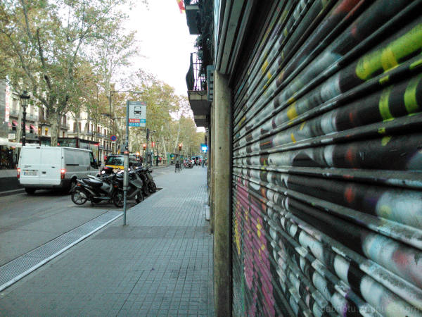 Barcelona street graffiti action lines suggested.