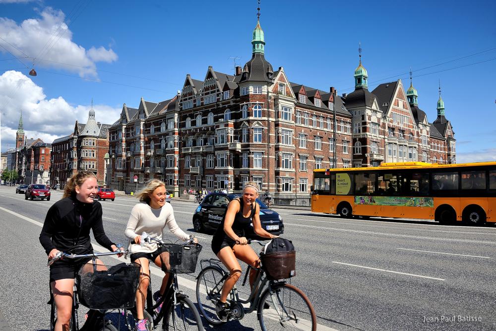 Morning cycling in Copenhagen