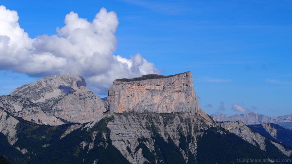 Le Mont Aiguille et sa pelouse sommitale