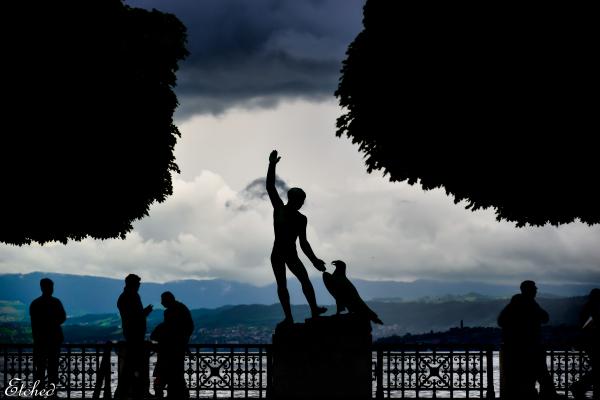 Statue(s)