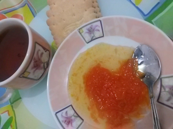 Tea & biscuit & carrot jam