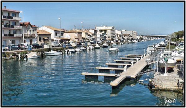 Vue sur le port de palavas les flots