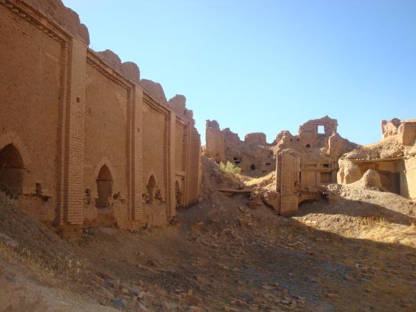 Oshtoran Castle.Tuyserkan. Hamedan