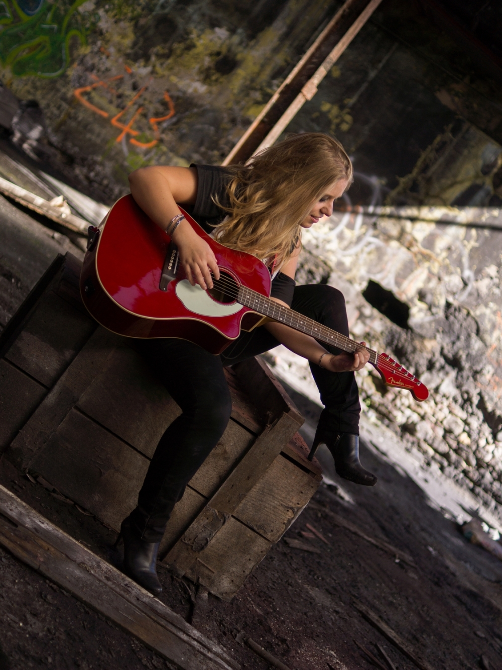 la jeune fille à la guitare