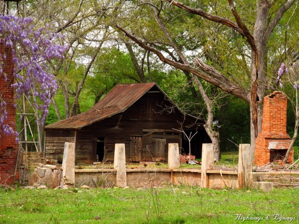 decaying barn along GA Hwy 49