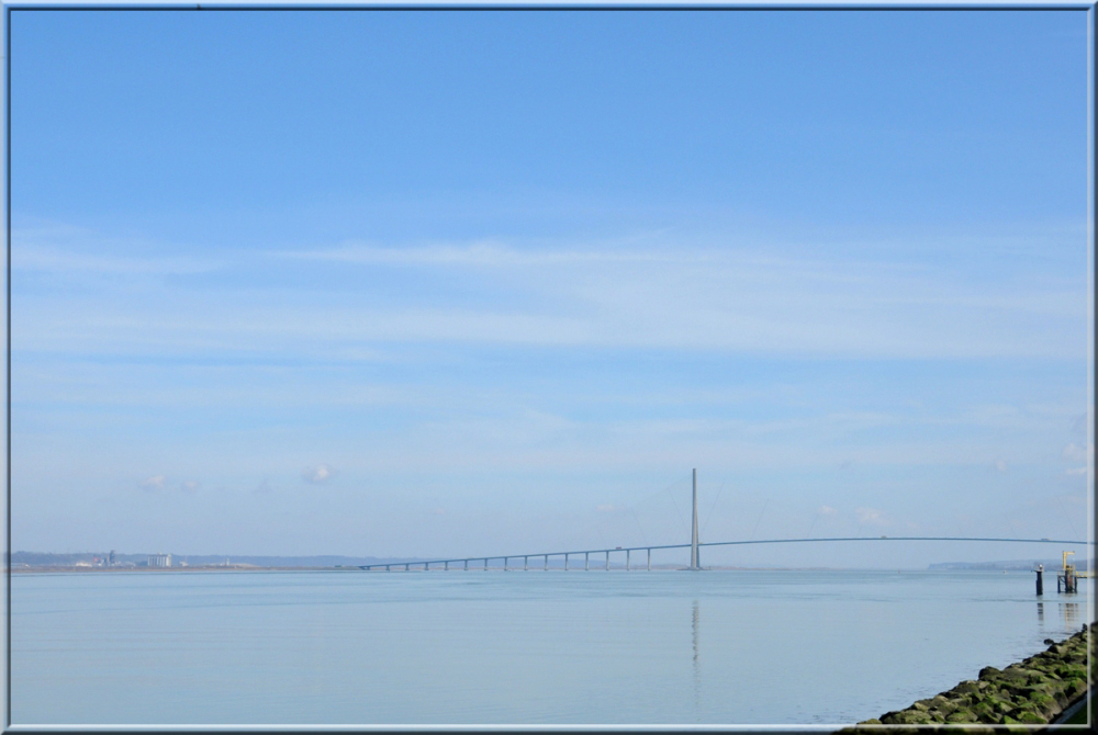 Pont de Normandie close to Honfleur