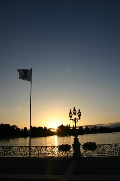 Setting sun on the lake