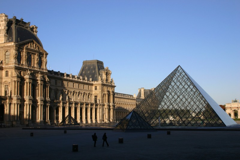 Early morning Louvre