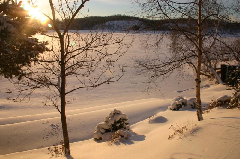 Warm sun on frozen Lake Bethel