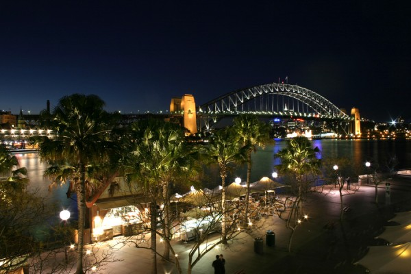 Night view of Sydney Harbour Bridge