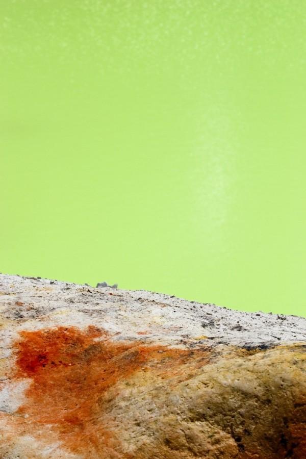 Green pool, red rocks, Waiotapu