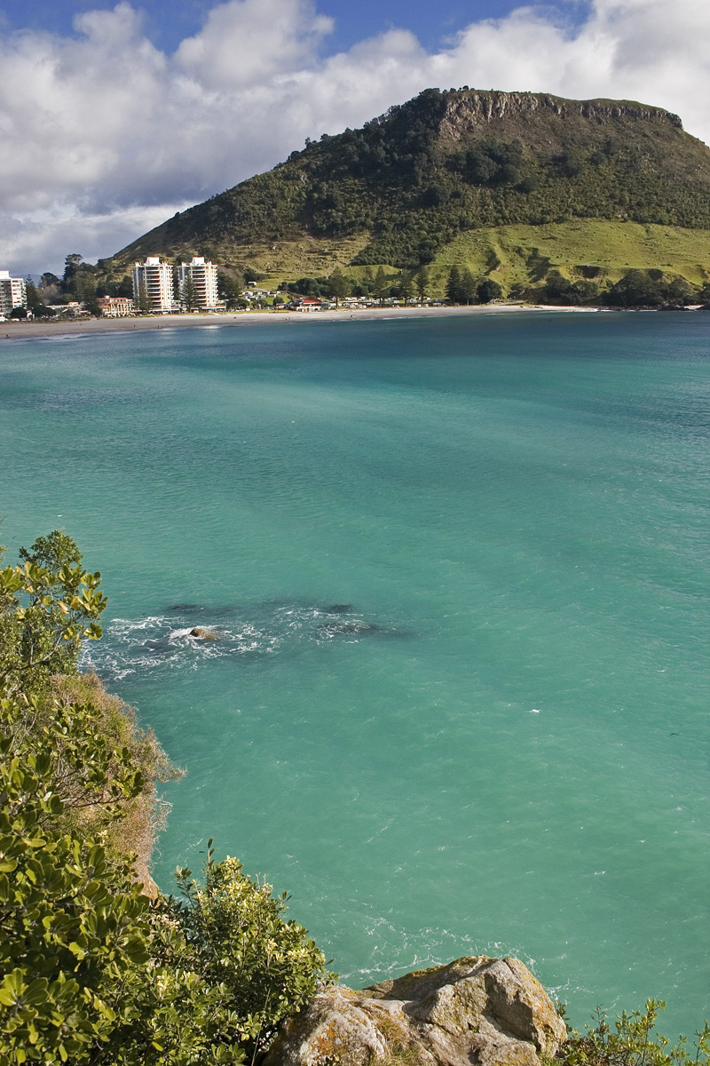 Mount Mauganui with turquoise water and beach