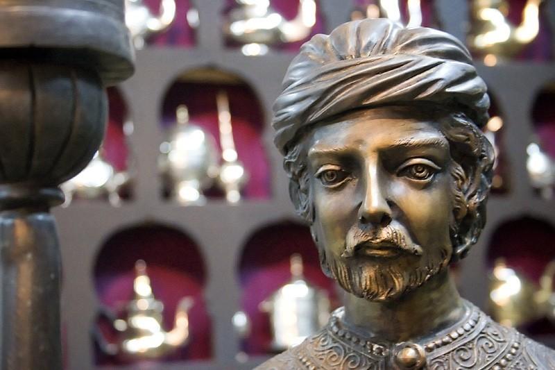 Prophet in the bronze shop