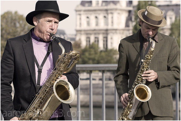 Saxaphones over the Seine