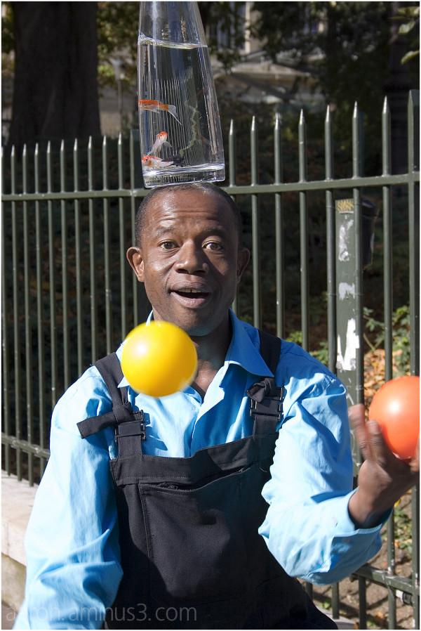The juggler near Montmartre