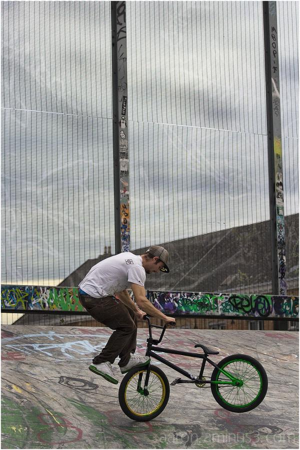 Pulling tricks in the skatepark