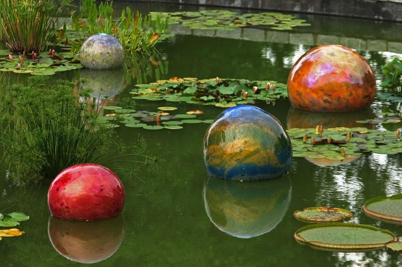 Reflecting Spheres