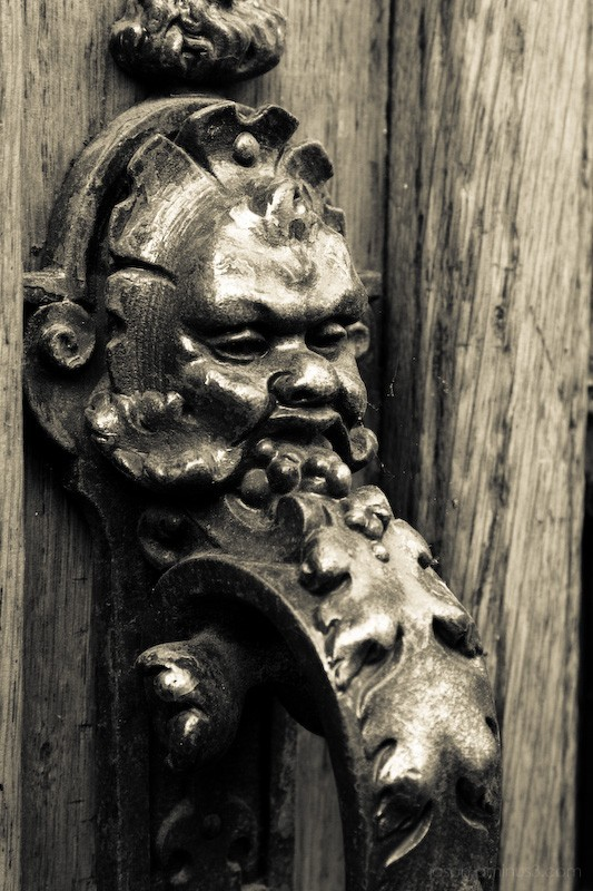 Aminus3 Featured photo Ornate Knocker | 29 May 2007