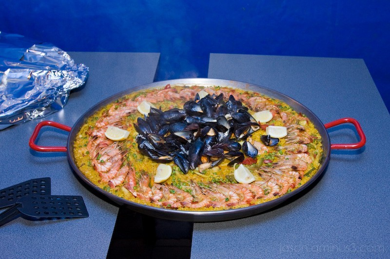 blue steaming paella