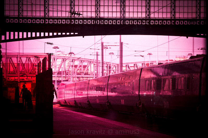 gare du nord pink