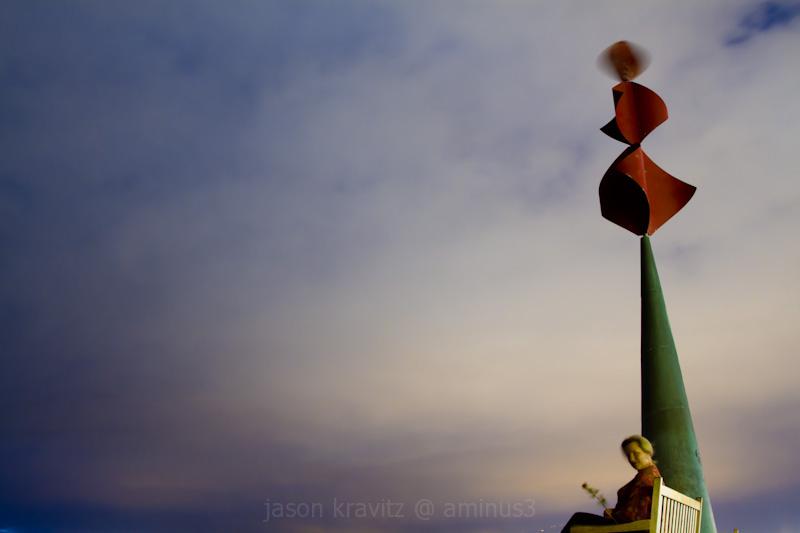 playas las americas sculpture