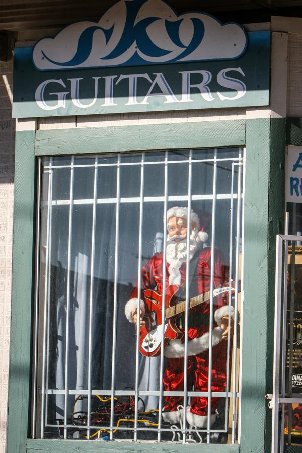 Santa got a Rickenbacker