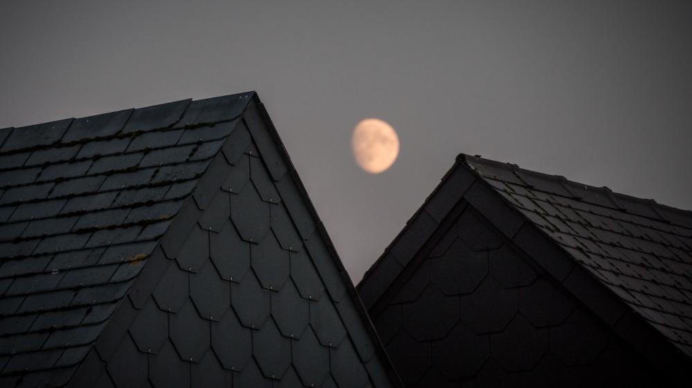 triangle moon