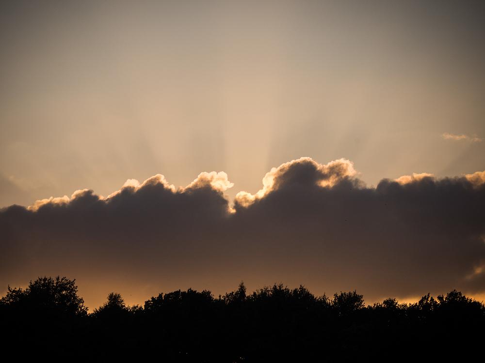 sunburst cloud ufo