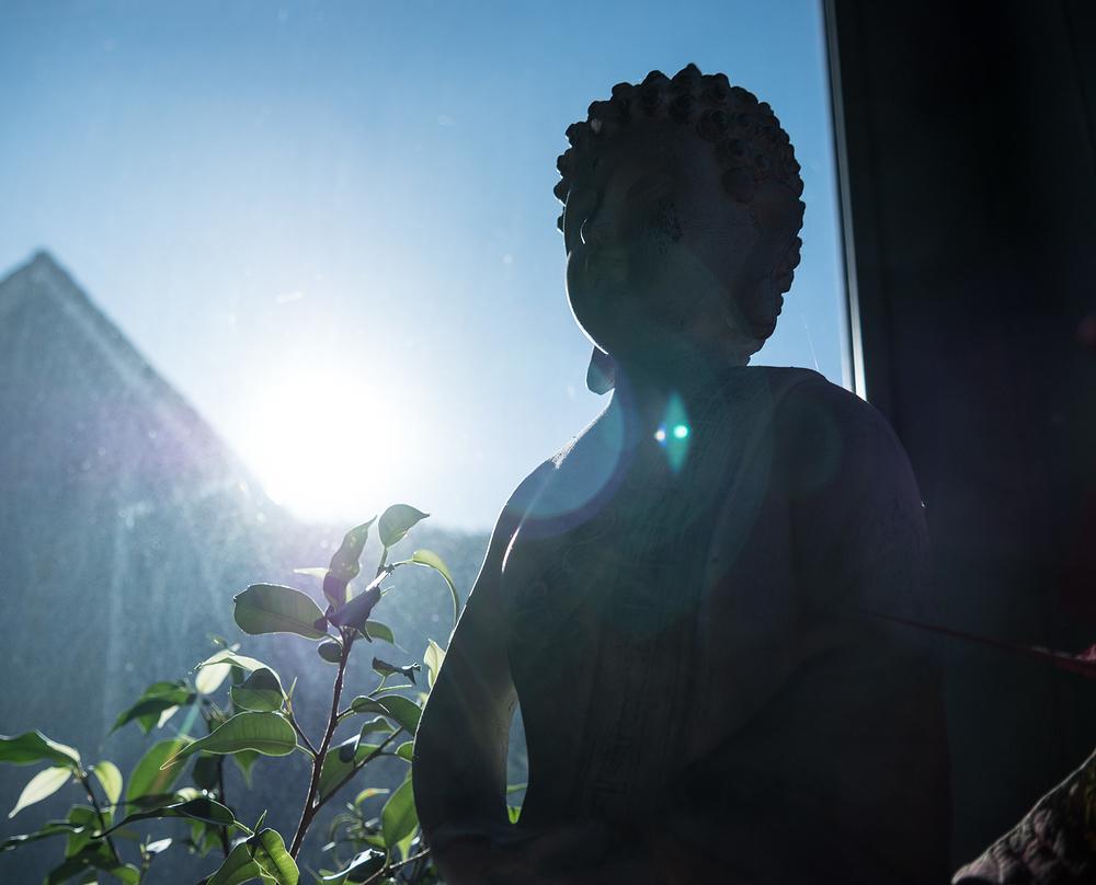 sun flare buddha