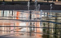 leuven fountain reflection