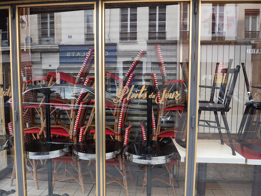 paris restaurant reflection