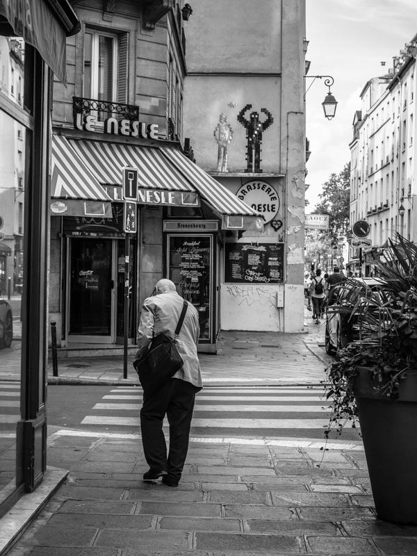paris street star wars