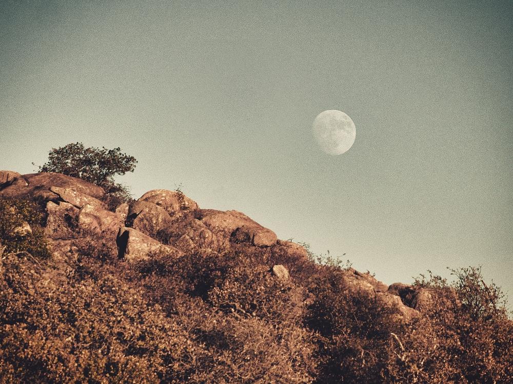 moon rise wichita mountains oklahoma
