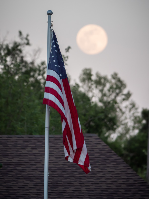 moon over America