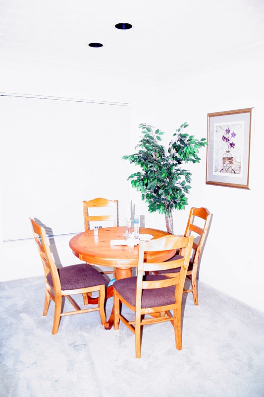 Dining table: Managed Overexposure
