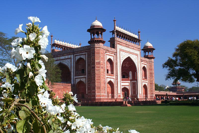 Entrance to the Taj Mahal.
