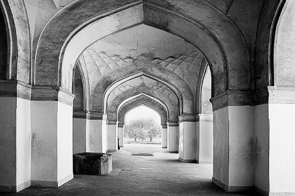 Sikandra: walkway