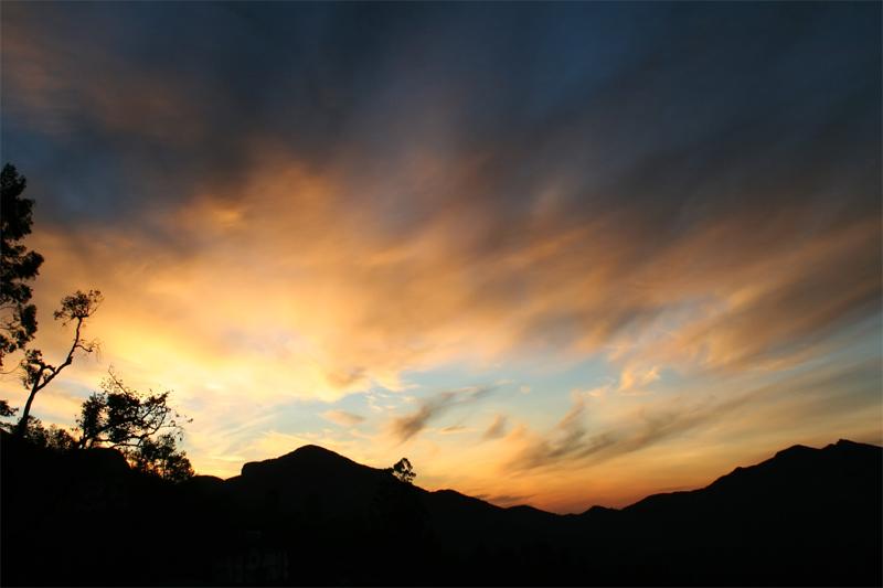 sunrise munnar kerala