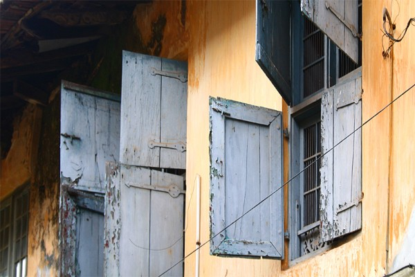 Jew town cochin old windows house abandoned