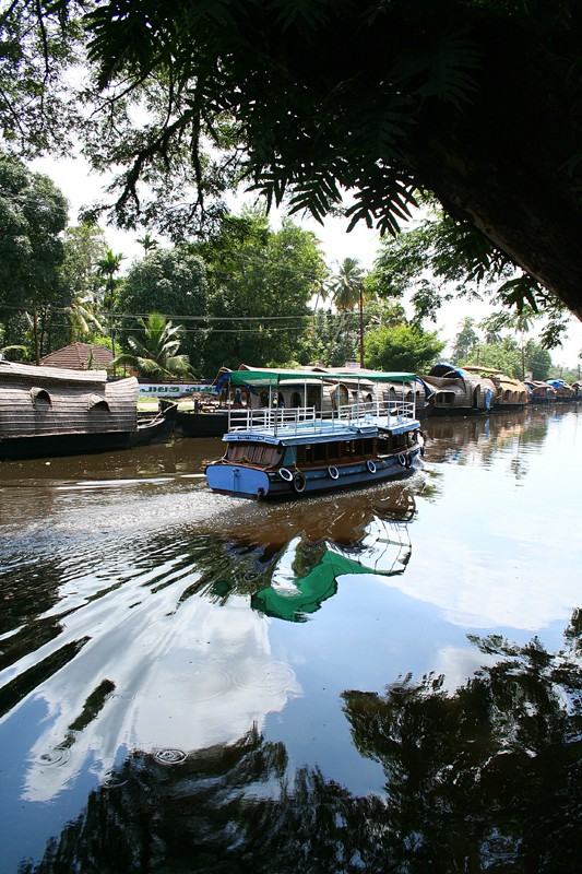 Kerela houseboat Allepey Kumarakom backwater
