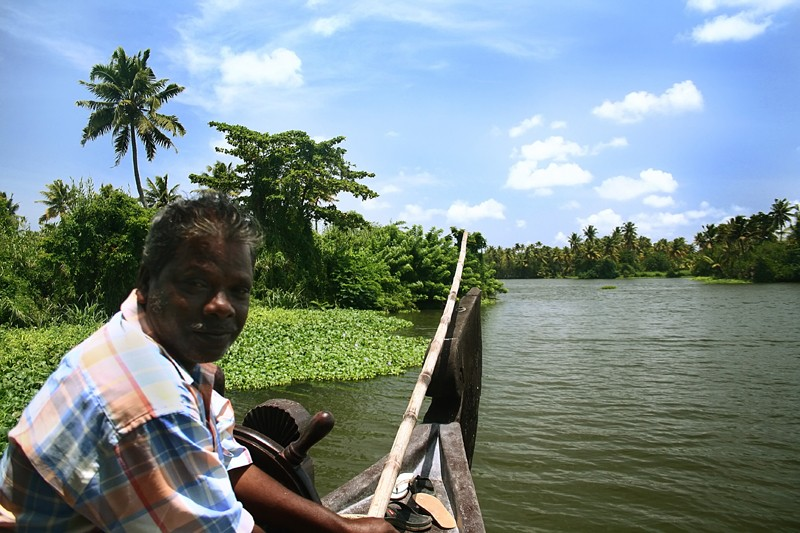 Kerela houseboat Allepey Kumarakom backwater lunch