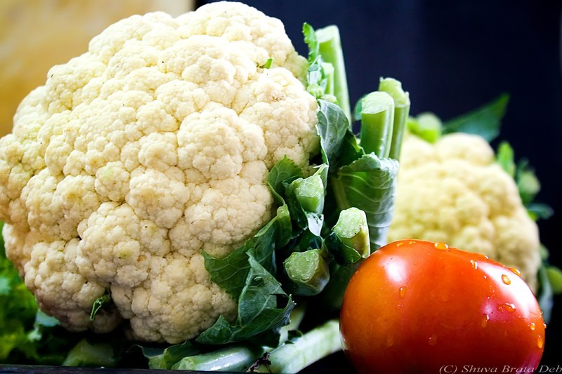 Cauliflower + tomato