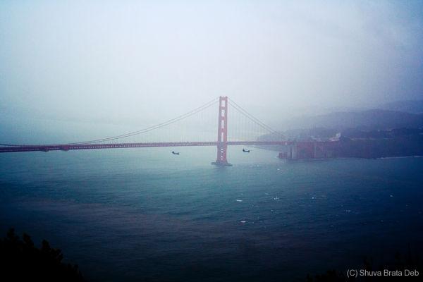 Choppers under the Golden bridge